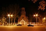 Великолепный храм ночью.