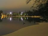 Черное озеро ночью...